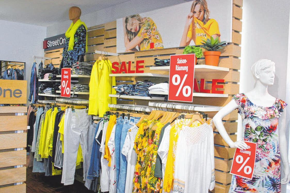 Bei der Sommerware im Mode-City sind die Preise zwischen 20 und 50 Prozent ermäßigt.
