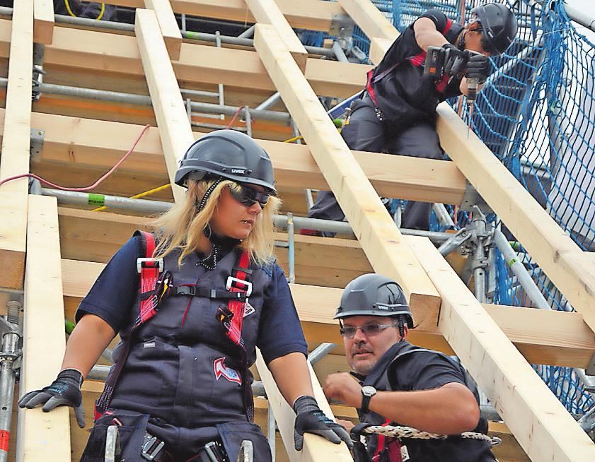 Beruf mit guten Aussichten: Dachdecker.FOTO: DACH RLP/FREI