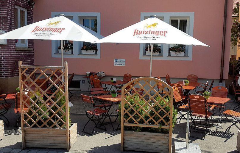Wenn es warm ist – und ohne Pandemie – sitzt es sich der Gartenwirtschaft des Gasthauses Hirsch in Derendingen besonders angenehm.