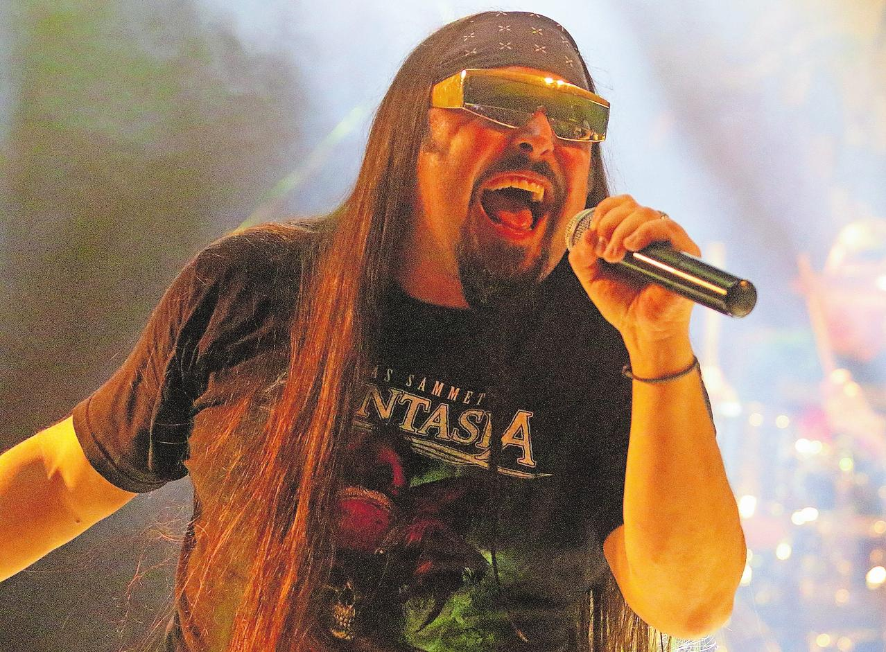 Dirk Reichel, sonst Frontmann bei Purple Haze, ist eine von drei Stimmen der Band T.B.A. Sie wird Classic Rock im Route 66 spielen. FOTO: THOF