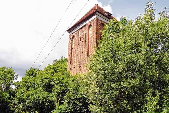 Die Geschichte der Deetzer Warthe reicht ins Jahr 900 zurück. Der erhaltene Turm aus dem 15. Jahrhundert ist ein altmarkweit einzigartiges historisches Zeugnis.