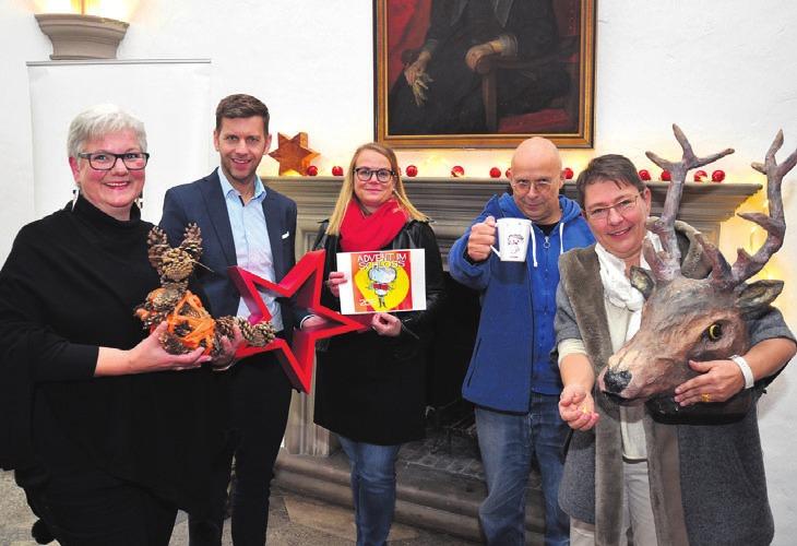 Kündigten den Advent im Schloss an: Monika Kiekenap-Wilhelm, Dennis Weilmann, Ingrid Quatz, Ali Altschaffel und Ingrid Eichstädt.