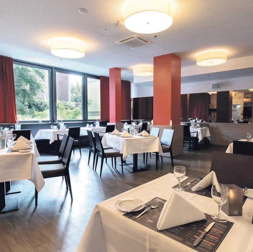 In stilvoller, gelassener Atmosphäre Gutes genießen – das RED GRILL Restaurant im DORMERO Hotel Hannover lädt am Valentinstag zum Fondue ein.