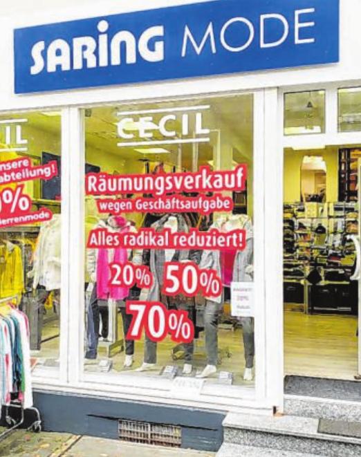 Nach 45 Jahren schließt jetzt das traditionsreiche Modefachgeschäft Saring in Haiger und startet daher den Räumungsverkauf mit Prozenten. Foto: Jens R. Jobmann