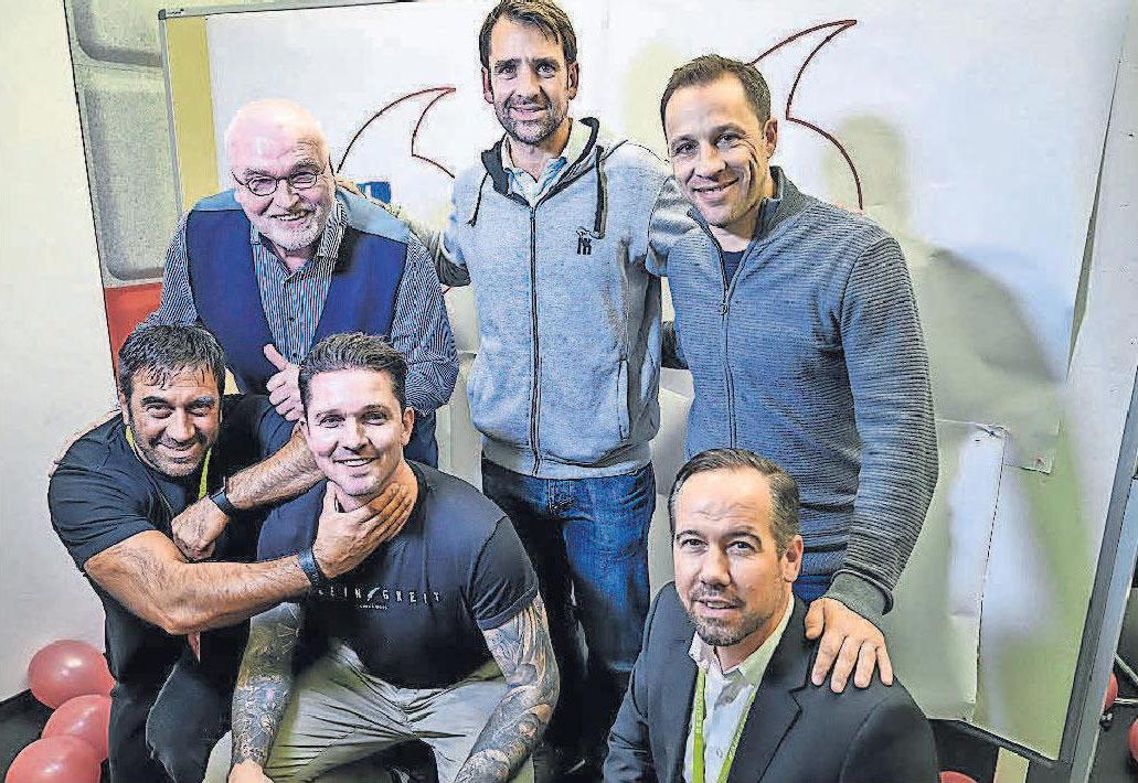 Matthias Waldraff (hinten, von links), Nicolas Kiefer, Steven Cherundolo, Ricardo Savia (vorn, von links), Leon Andreasen und Jimmy Topalovic