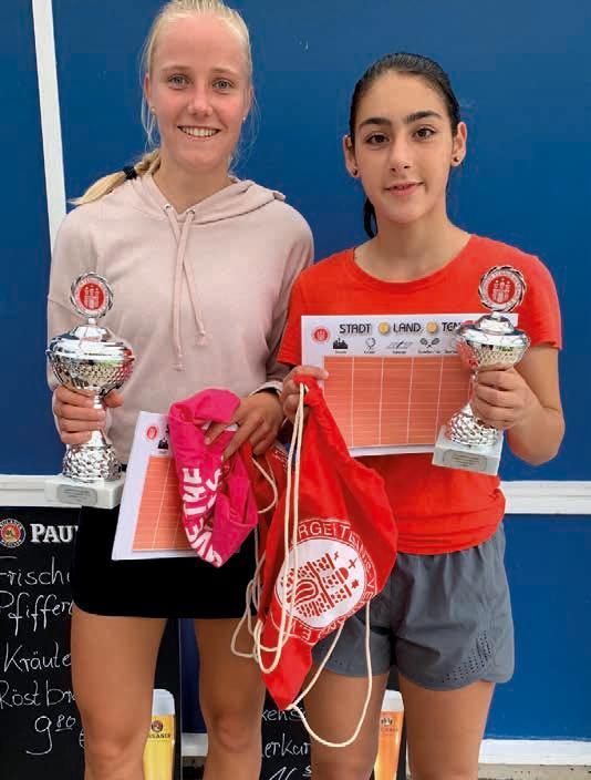 Juniorinnen U16/U18: v.l. Sarah Engel (Svg. Blankenese) – Angelina Baberz (SP Öjendorf) 6:4, 6:1