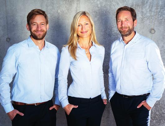 Die Geschwister Kai Kutter (l.), Julia von Kap-herr und Hendrik Kutter führen gemeinsam das Unternehmen Battery-Kutter, das sie gemeinsam mit ihren Mitarbeiter:innen zu einem führenden Unternehmen für Akku-Packs aufgebaut haben. Fotos: Battery-Kutter
