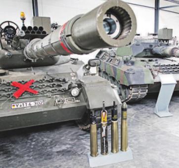 Das Panzermuseum Munster bietet Militärgeschichte live mit echten Modellen und Miniaturen. Panzermuseum