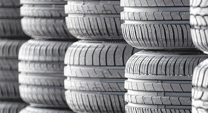 Reifen haben für den Autofahrer eine ganz wichtige Bedeutung. Deshalb sollte man sie auch hegen und pflegen.