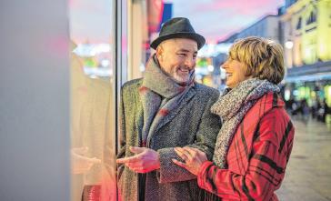 Eine Shoppingtour erfreut Alt und Jung. FOTO: GETTY IMAGES