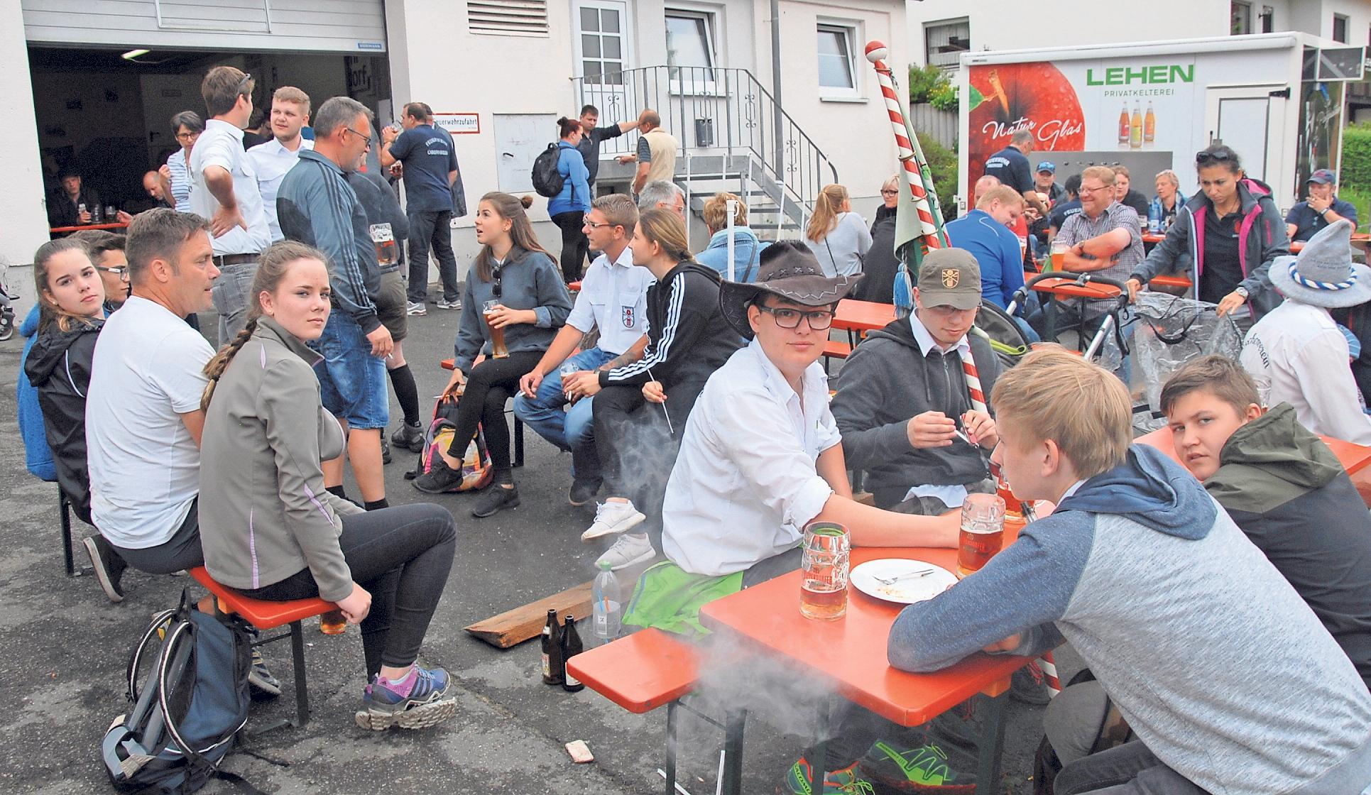 Gut besucht ist jedes Jahr das zweitägige Truppachtalfest rund um das Feuerwehrhaus in Truppach. Foto: Dieter Jenß