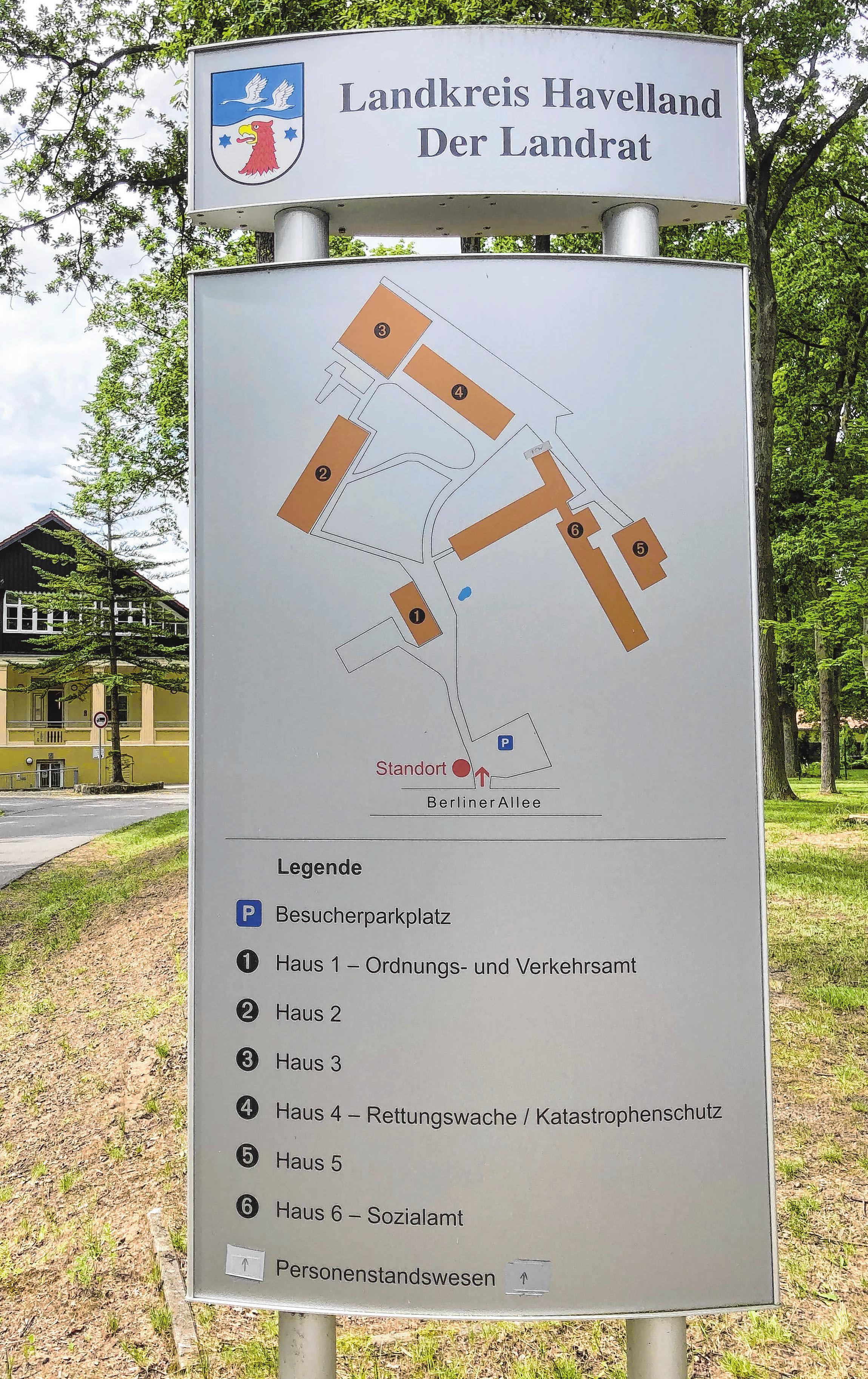 Wegweiser zu den Objekten im Feuerwehrtechnischen Zentrum. Foto: René Wernitz