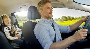Prima Klima im Auto: Ein intakter Innenraumfilter hält Pollen und andere Belastungen der Luft draußen. FOTO: DJD/ROBERT BOSCH