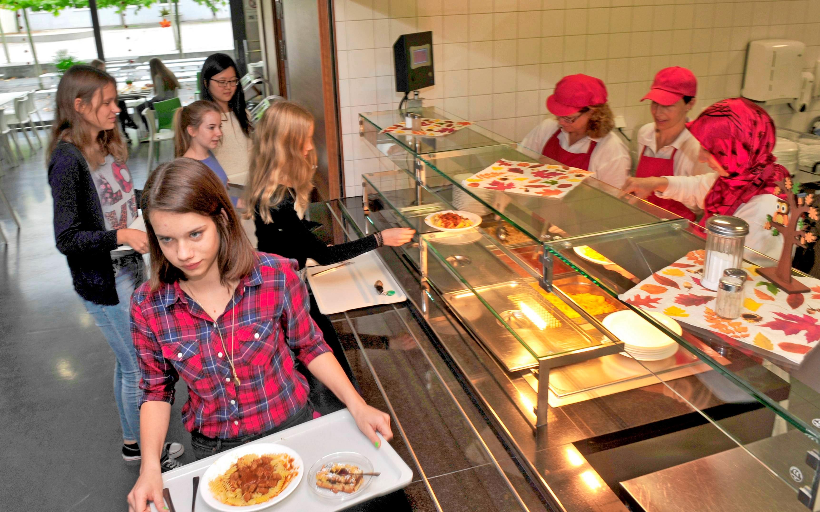 Von der Belieferung durch einen Catering-Service ausgenommen ist weiterhin das ASG . Dort bereitet ein ehrenamtliches Kochteam die Speisen zu, Foto: Archiv/Berger
