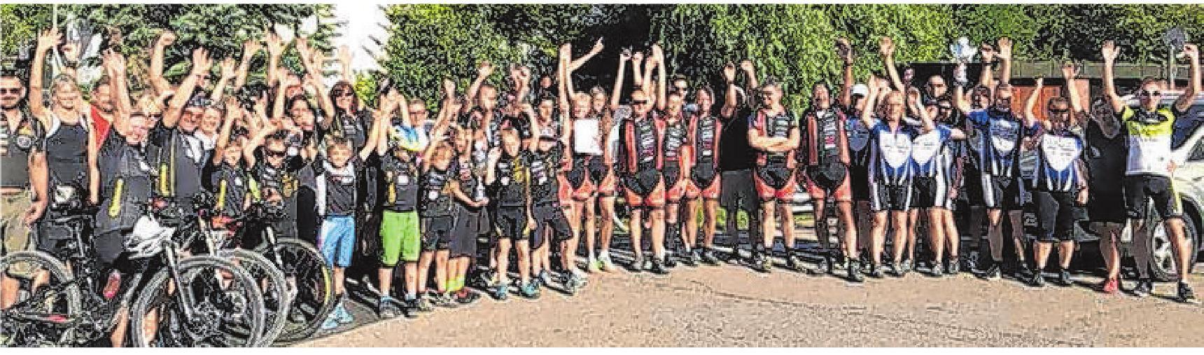 Im Rahmen der Teamwertung können die drei Gruppen mit den meistgefahrenen Kilometern Pokale gewinnen. Privatfoto