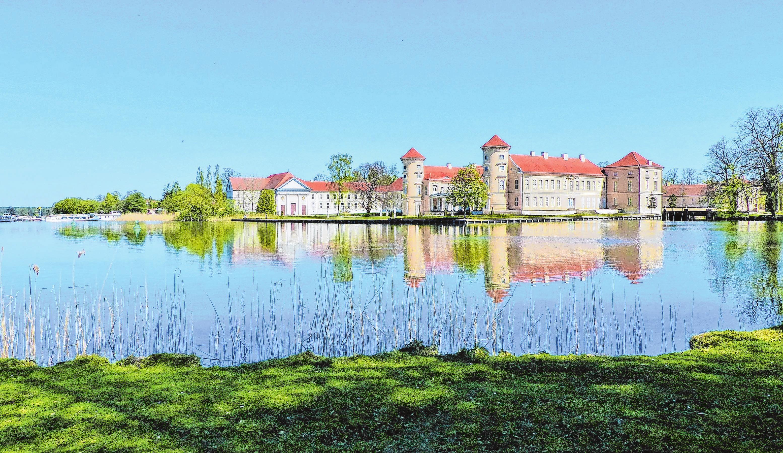 Das Schloss Rheinsberg ist das Wahrzeichen der Stadt. Archiv-Fotos (2): mae Settnik