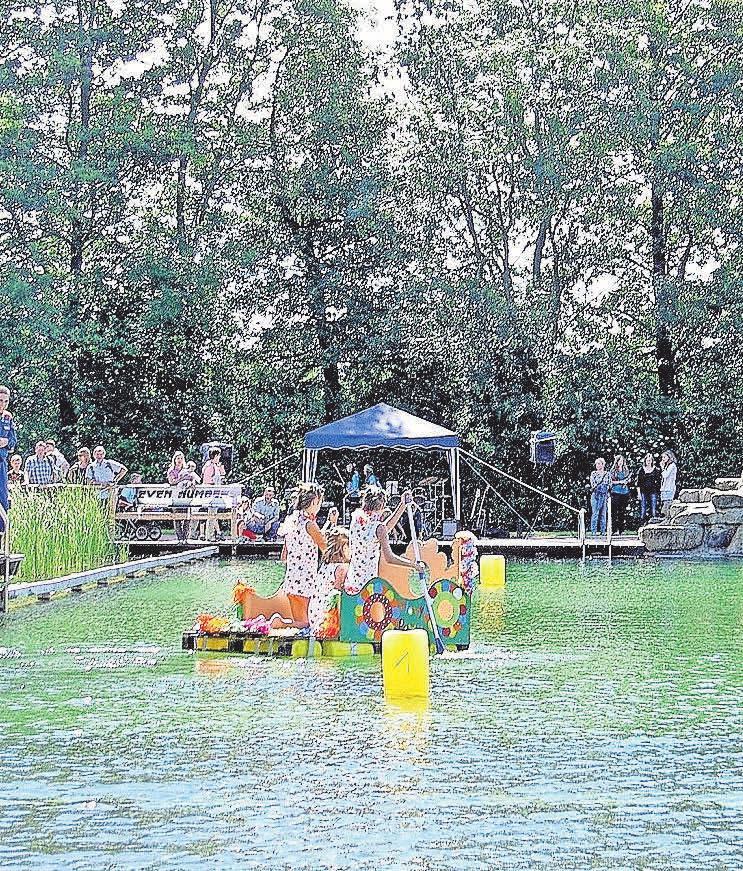 Der Wasserpark lockt mit vielen Aktionen für Groß und Klein.
