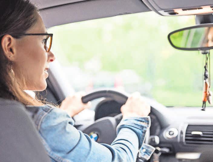 Gutes Sehen ist im Straßenverkehr das A und O – ganz besonders auf langen Fahrten, zum Beispiel in den Urlaub.  Fotos:Archiv/ZVA-Presse
