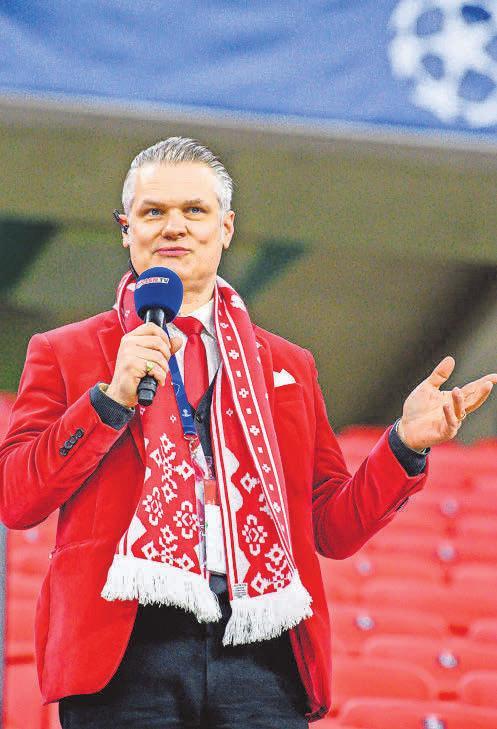 Die Bayern im Blick hat auch Leipzigs Stadionsprecher Tim Thoelke. Foto: IMAGO/motivio