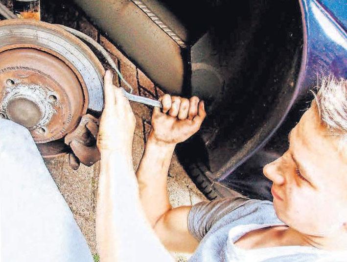 Wer langfristig etwas von seinem Wagen haben will, bringt ihn regelmäßig in die Werkstatt.