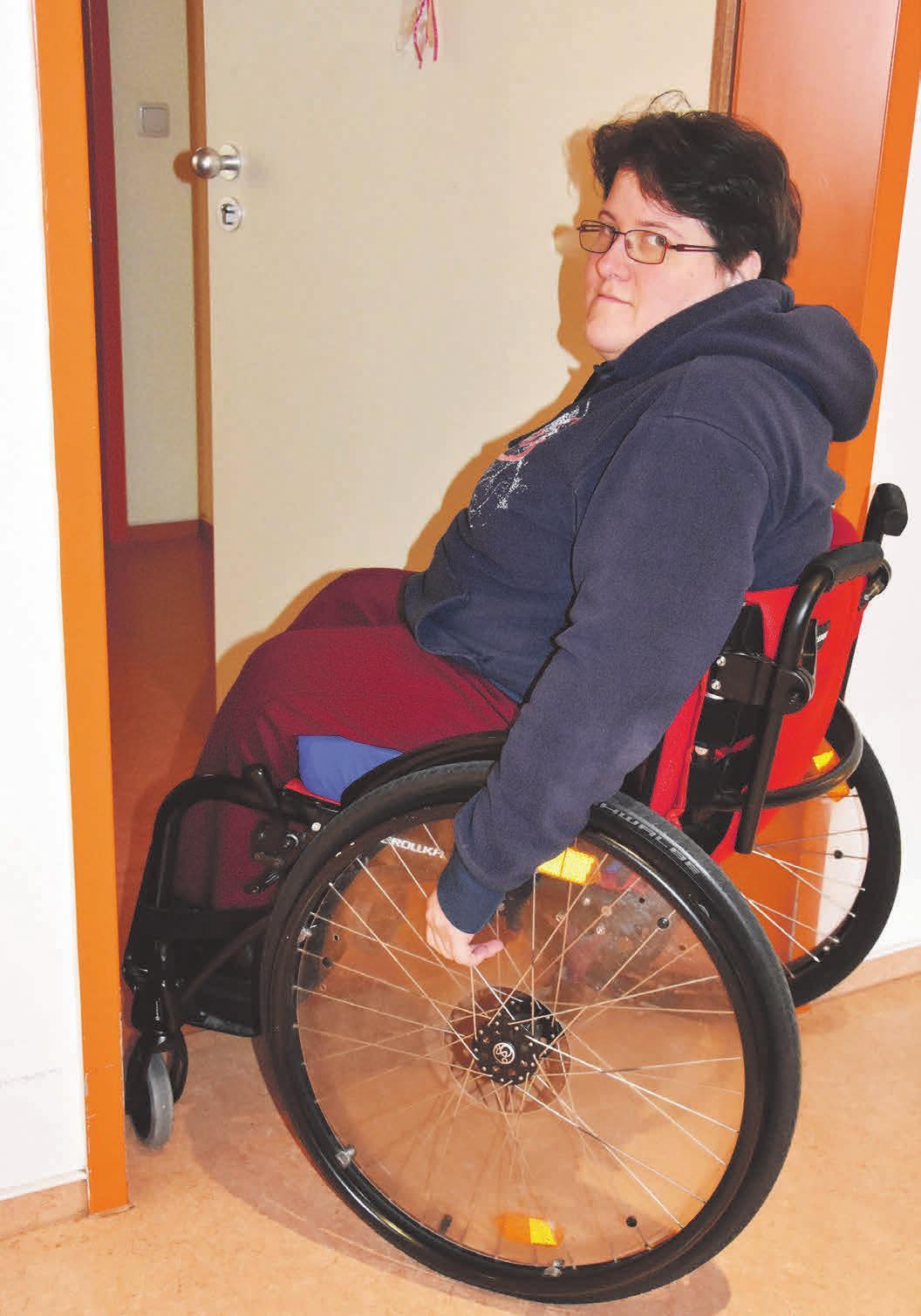 Malin Babatz wohnt seit fast zehn Jahren in ihrer eigenen barrierefreien Wohnung. Foto: Melanie Stallmann