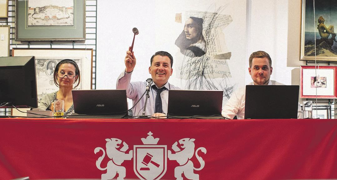 Alexandra Füsser, René Blumer und Dominik Schmidt während einer Auktion. Foto: ESCHWEILER.photographer