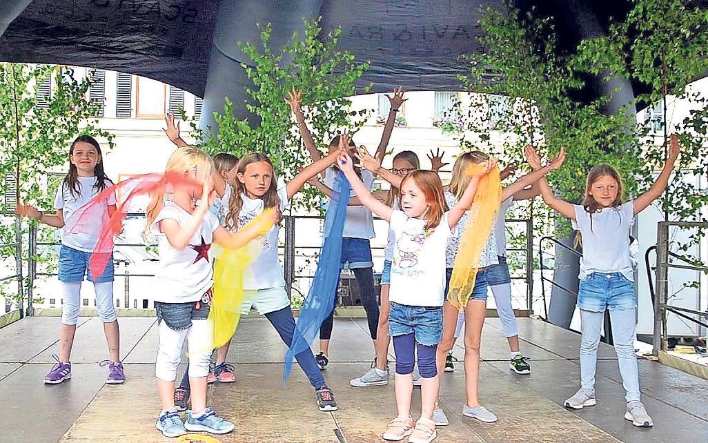 Ein buntes Programm erwartet die Besucher ab 16 Uhr. Auftreten werden auch die Kinder der Kindergärten aus Goldkronach und Nemmersdorf, des Sportvereins sowie der FGV Nemmersdorf.