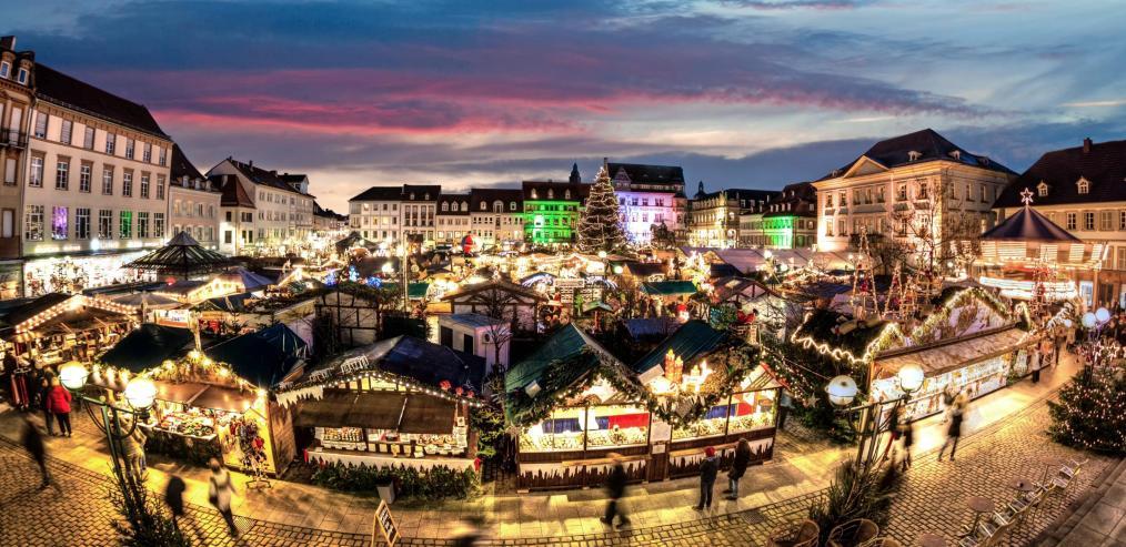 Vom 28. November bis 22. Dezember erstrahlt der Thomas-Nast-Nikolausmarkt auf dem alten Messplatz im rheinland-pfälzischen Landau. Foto: Markus Hammer