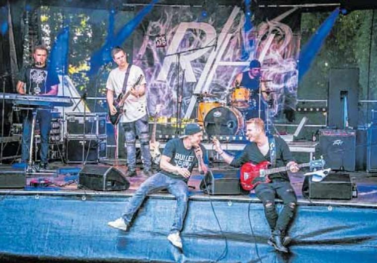 Die Ulmer Band Roundhouse zeigt am Freitag ihr fetziges Bühnenprogramm.