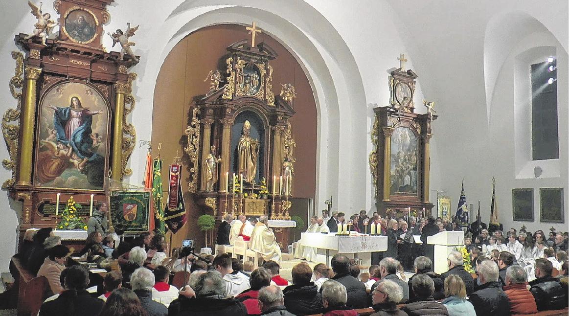 Dank unzähliger Helfer erstrahlt die Kirche in neuem Glanz.