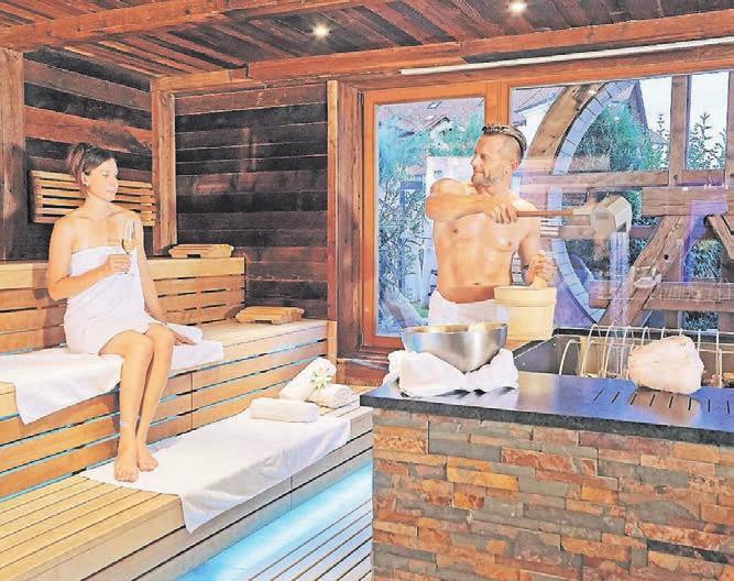 Wärme genießen in der Panorama-Event-Sauna. Foto: Jagdhof/P. Dafinger