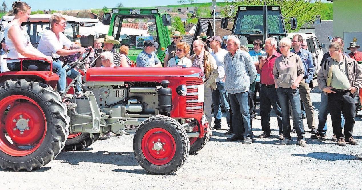 """Das nunmehr vierte Traktor-Oldtimer-Treffen wird am Sonntag seine Anziehungskraft auf alle Fans der """"Dieselrösser"""" nicht verfehlen. Um 13 Uhr beginnt die Rundfahrt. Foto: FP-Archiv/Sandra Hüttner"""