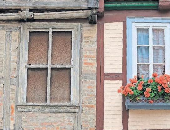 Steht die Fassade unter Schutz, kann eine nachträgliche Dämmung meist nur innen erfolgen. FOTO: JENS WOLF/DPA-ZENTRALBILD