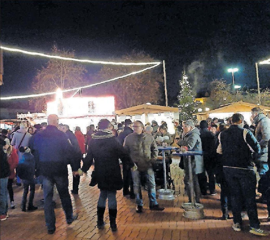 Mutterstadter Weihnachtsmarkt: Käse aus Frankreich, Schalen aus Tiroler Holz