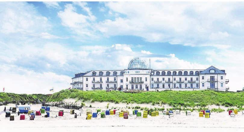 Das Strandhotel Kurhaus Juist bietet seinen Gästen 70 Zimmer, Appartements und Suiten.