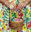Bunte Eier zu suchen gehört zum Osterfest einfach dazu. Blaue Eier zu suchen kann hingegen richtig Glück bringen.       FOTO: PIXABAY/T. CNUDDE