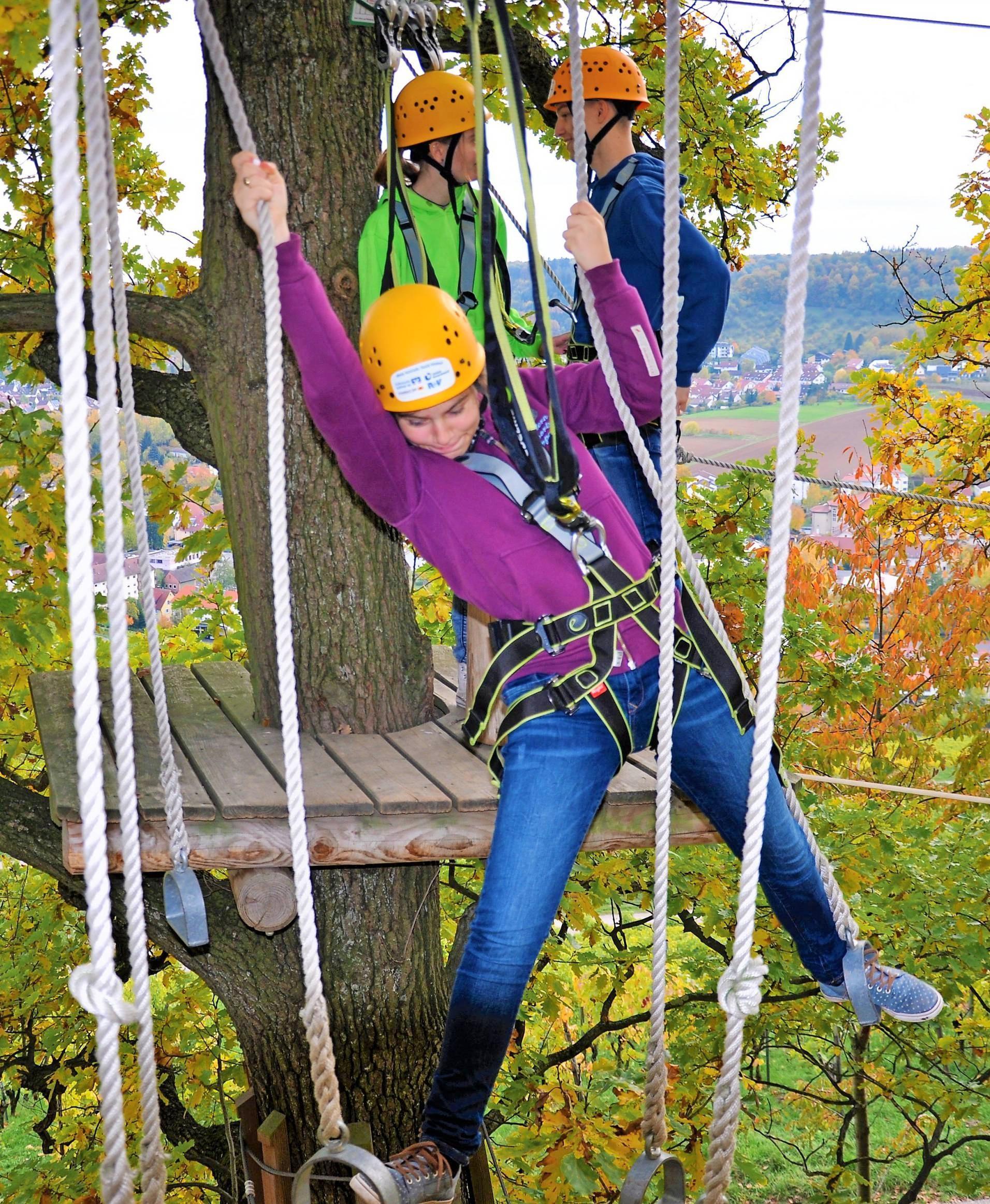 Einen Adrenalin-Kick gibt es im Waldkletterpark Weinsberg.