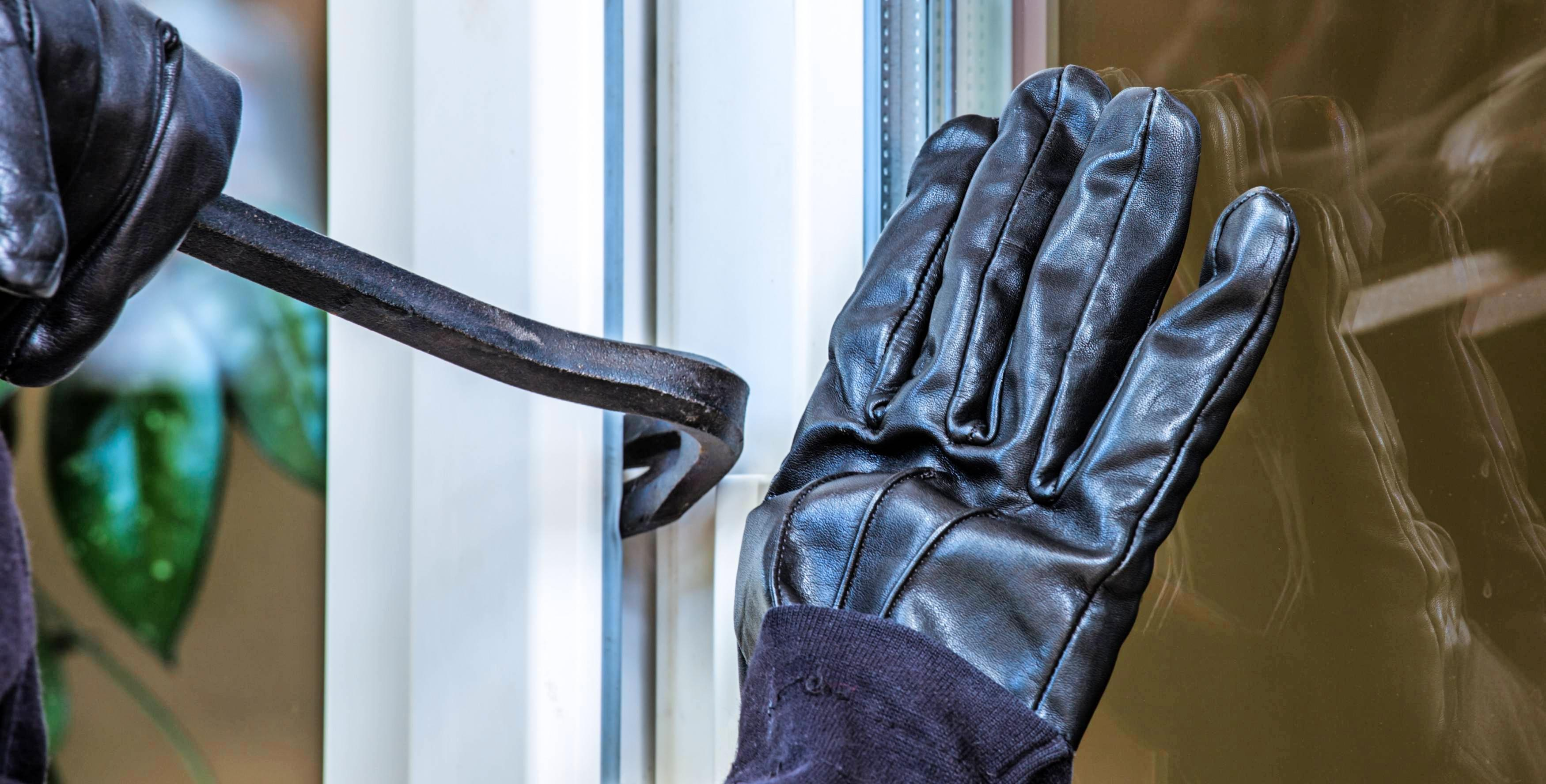 Terrassentüren sind ein Schwachpunkt und werden darum gerne von Einbrechern aufgesucht. Foto: Rainer Fuhrmann/stock.adobe.com