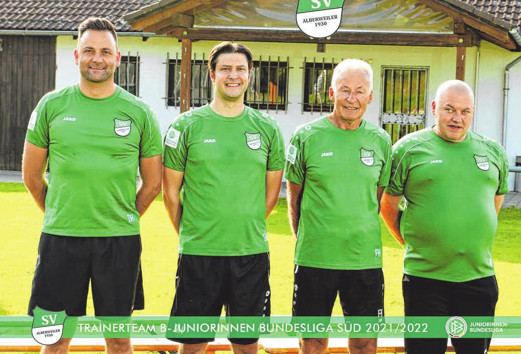 Chefcoach Dominik Herre (2.v.l.) mit Team.