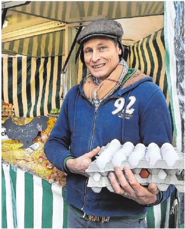 Bei Tilmann Leidig gibt es neben Eier auch nützliche Tipps zur Hühnerhaltung.