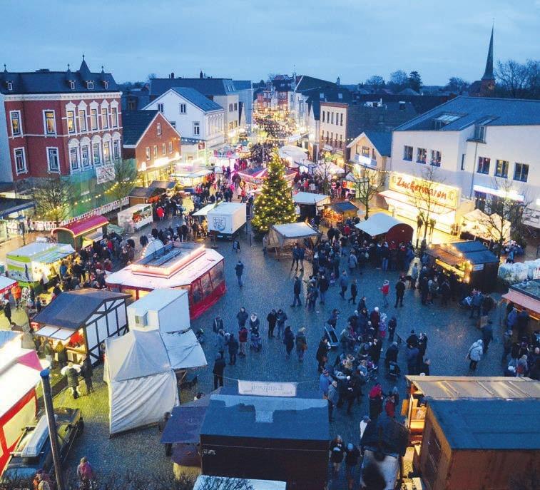Abends zeigt sich der Barmstedter Weihnachtsmarkt im Lichterglanz Foto: Manuela Kiesling