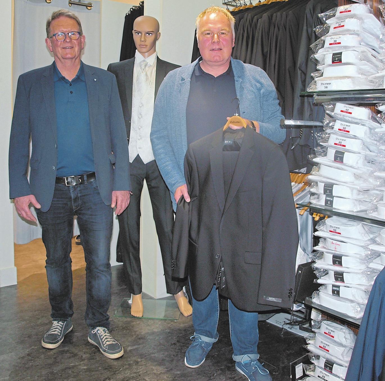 Bernd-Uwe Lieftüchter (l.) und Oliver Moor beraten gern bei der Auswahl.