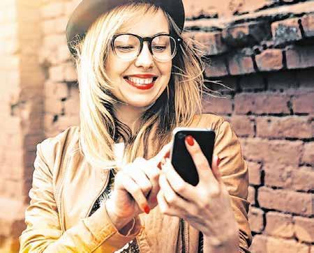 """Die App """"AzubiWelt"""" gibt eine Übersicht zu den Stellenangeboten vor Ort. Foto: Bundesagentur für Arbeit"""