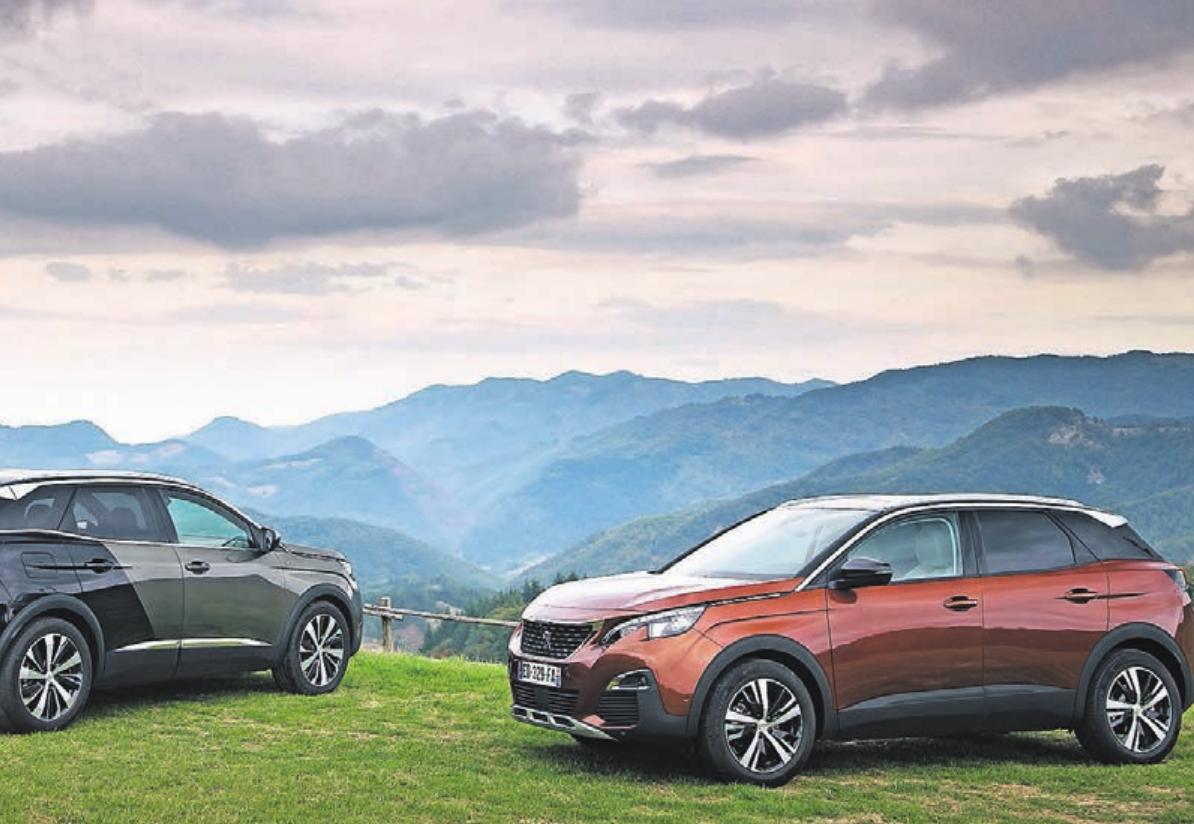 """Der Peugeot 3008 wurde in den vergangenen Jahren als """"Auto des Jahres"""" ausgezeichnet und bietet trotz seiner kompakten Abmessungen viel Innenraum."""