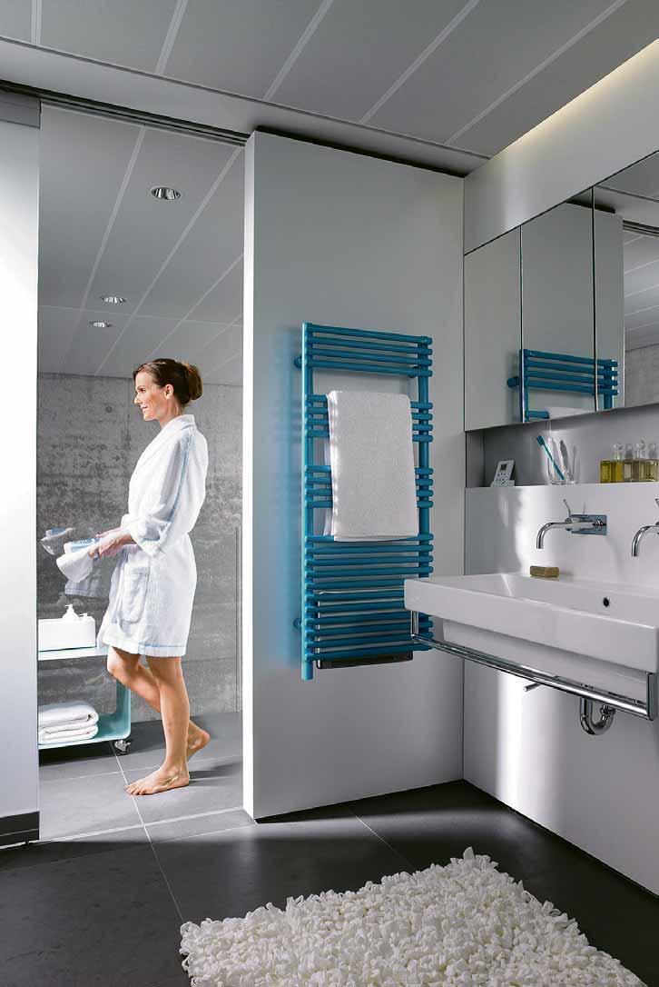 Moderne Elektroheizkörper sorgen nicht nur für eine angenehme und schnelle Wärme im Badezimmer, sondern es gibt sie auch mit integriertem geräuscharmem Lüfter, der die Heizleistung bei Bedarf unterstützt. Foto: djd/Zehnder Group Deutschland GmbH