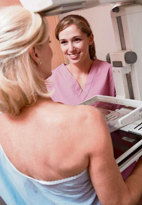 """Wenn die Gefährdung bekannt ist. """"Risikoadaptierte Früherkennung"""" bedeutet im Fall von Brustkrebs meist, ein bis zweimal im Jahr zur Mammographie (Bild) zu gehen und zusätzlich alle zwei Jahre zum Beratungsgespräch."""
