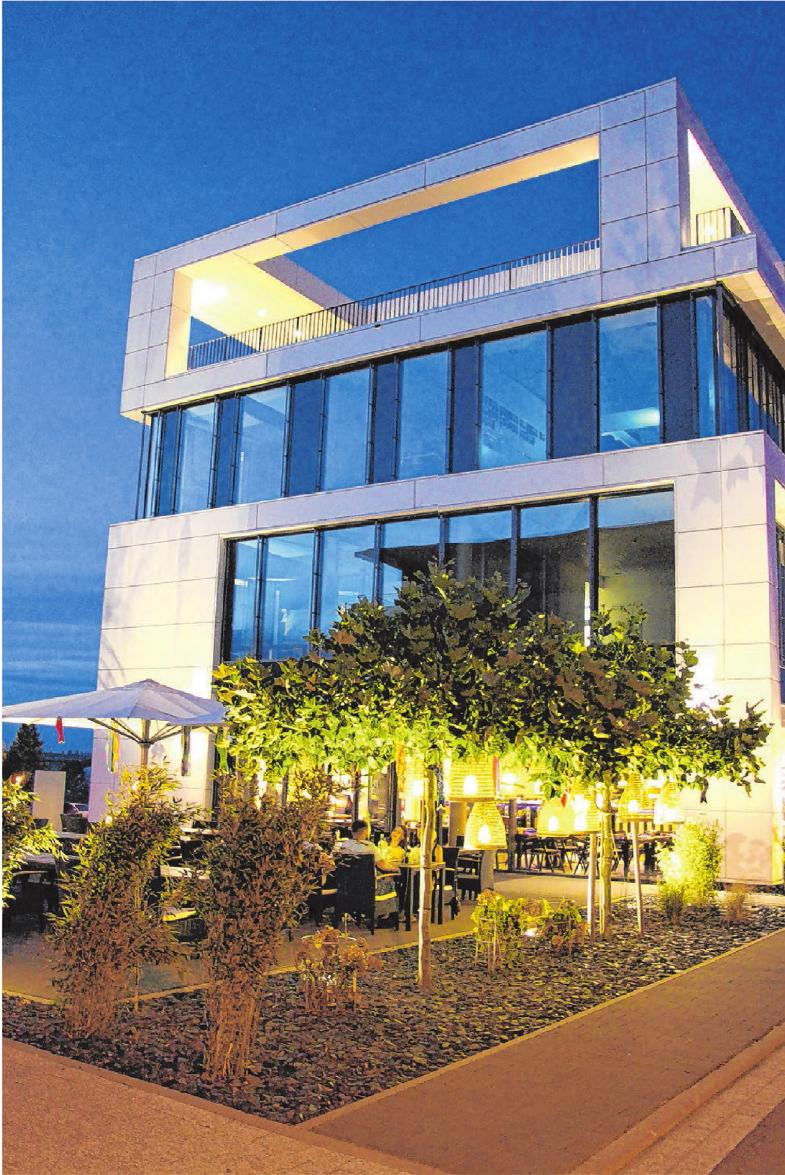Das Jeido bietet zahlreiche Plätze auf der großen, neu begrünten und illuminierten Terrasse. Fotos: Kerstin Dorn