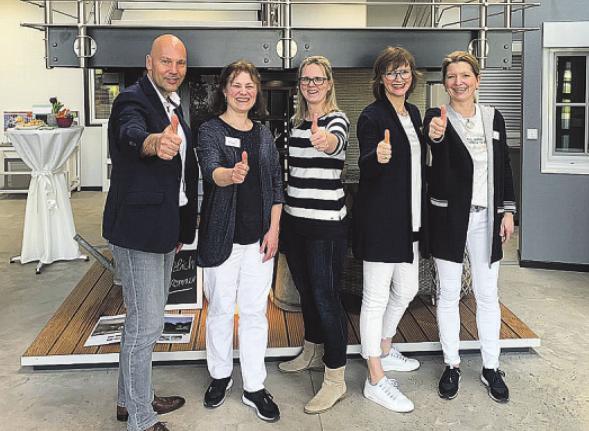 Motiviert und kompetent: Das Team von Schmidt und Jahn Foto: pr