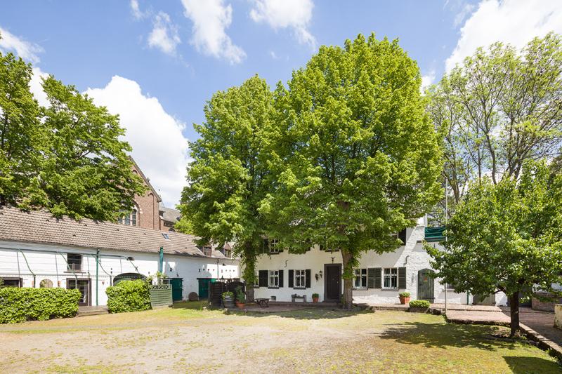 Großzügig Wohnen in historischem Ambiente. Foto: Immobilien Walz
