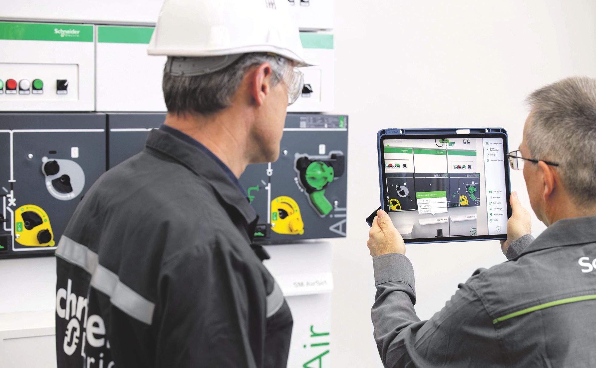 Die neuen Mittelspannungsschaltanlagen von Schneider Electric beanspruchen dank ähnlicher Abmessungen nicht mehr Platz als herkömmliche Anlagen und lassen sich gewohnt intuitiv bedienen